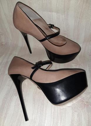 Бежевые кожаные туфли с ремешком на ножку на высоком каблуке для стриппластики, пилатеса