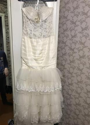 Ексклюзивна весільна{не вінчена} сукня