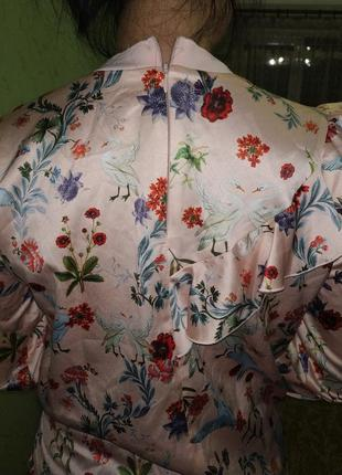 Яркая блуза с лебедями8 фото