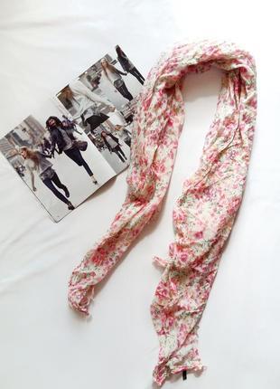 Легкий шарф с цветочным принтом benetton