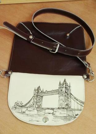 Кожаная сумочка с рисунком ручной работы