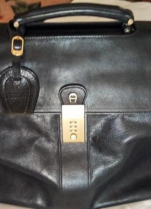 Большой кожаный черный  саквояж - чемодан сумка aigner мюнхен