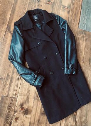 Пальто чёрное с кожаными рукавами