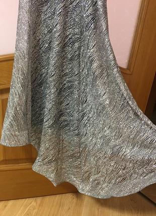 Неймовірне срібне плаття4 фото