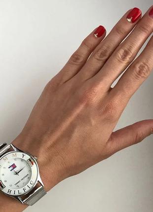 Новые роскошные часы в фирменной коробочке