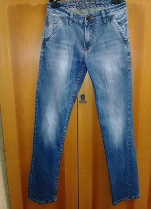 Качественные фирменные мужские джинсы в идеальном состоянии