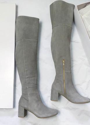 Taryn rose оригинал серо-бежевые высокие сапоги ботфорты на удобном каблуке бренд из сша