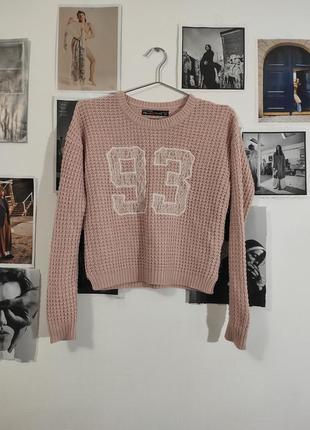 Кроп-свитер крупной вязки