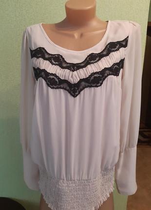 Нарядная блуза с кружевом vero moda.