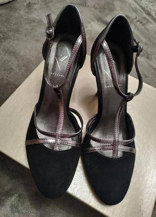 Замшевые туфли lazzarini,38