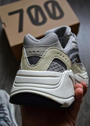 Adidas yeezy boost 700 v2 static шикарные мужские кроссовки адидас3 фото