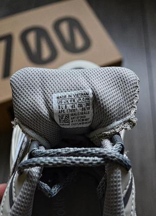 Adidas yeezy boost 700 v2 static шикарные мужские кроссовки адидас7 фото