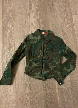 Укороченная куртка милитари