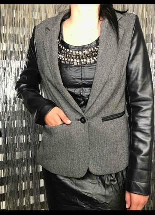 Сучасний брендовий піджак з рукавами кож зам.розмір м.l.