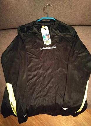 Продам новую спортивную форму diadora xl для высокого футболиста 186 см.