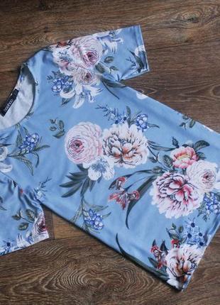 Голубая футболка в цветочный принт в цветы от boohoo