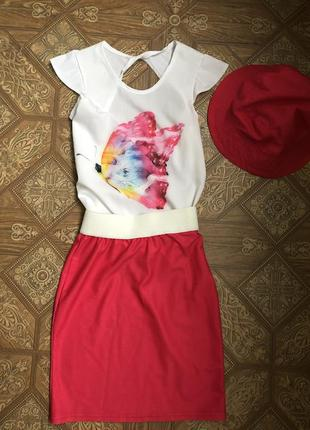 Нарядный костюм 3 в 1 ( футболочка,юбка-карандаш,панамочка)