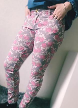 Штаны, джинсы в цветочный принт