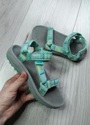 Удобные и качественные летние сандали ,босоножки бренда teva.