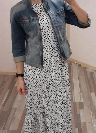 Укороченная джинсовая куртка, джинсовка