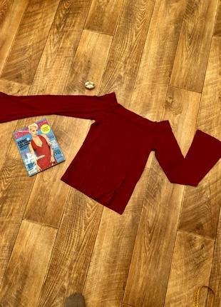 Модная красная кофта на плечи италия