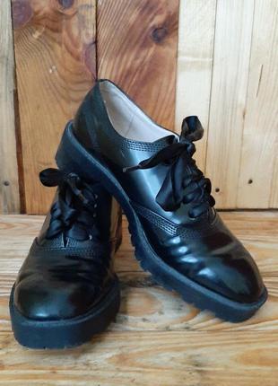 Кожаные ботинки,черевики от zara basic collection(35)