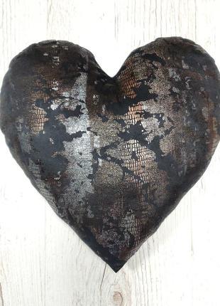 Подушечка сердце черное