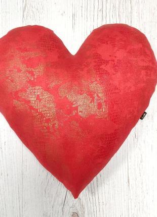 Подушечка сердце красное