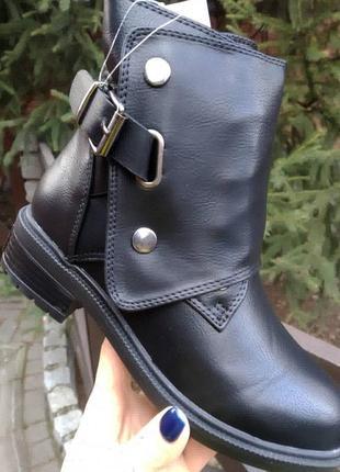 Турция,новые демисезоные ботинки на девочку , качественные