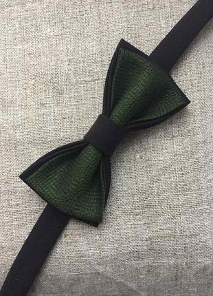 Галстук-бабочка цвет черный,зеленый. метелик. ручная работа