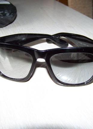 Распродажа очки-варфаеры с крупной черной рамой и зеркальной серебристой линзой