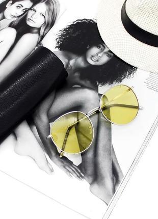 Стильнячие солнцезащитные очки
