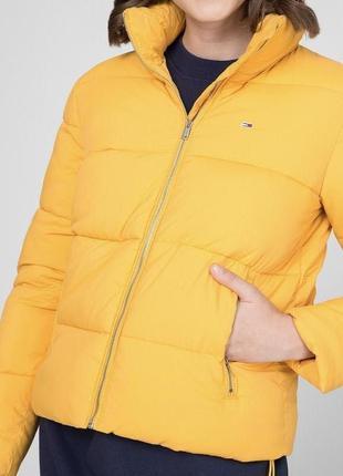 Жёлтая зимняя куртка tommy hilfiger