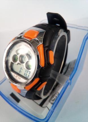 Детские влагозащищенные электронные часы lsh 1033