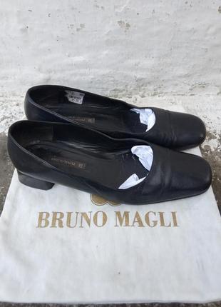 39р/26см винтажные кожаные синие туфли bruno magli, лодочки,базовые.