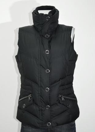 Женская теплая черная безрукавка-пуховик espri . код 1653