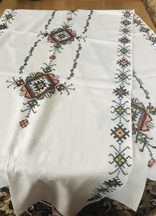 Белые винтажные вышитые крестиком шторы