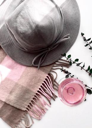 Элегантная серая шляпа винтаж