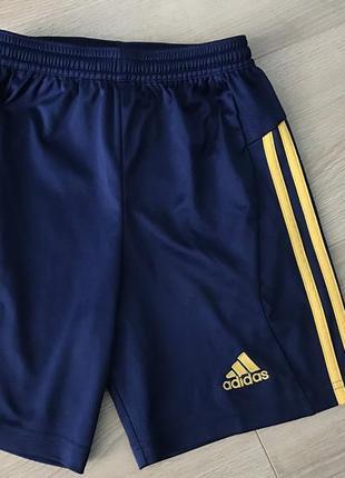 Adidas футбольные шорты 7-8 лет