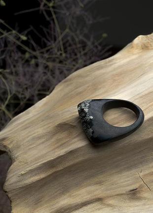 Уникальное кольцо из африканского дерева и пирита