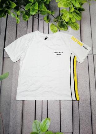 Свободная укороченная футболка из хлопка в спорт стиле