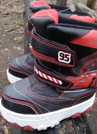 Сапоги, ботинки cars disney pixar с мигалками на липучках.