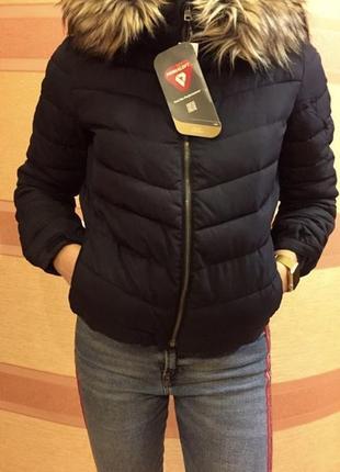 Куртка gap тёмно-синяя c искуственным мехом