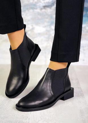 Рр 36-40 натуральная кожа стильные черные туфли с интересным каблуком