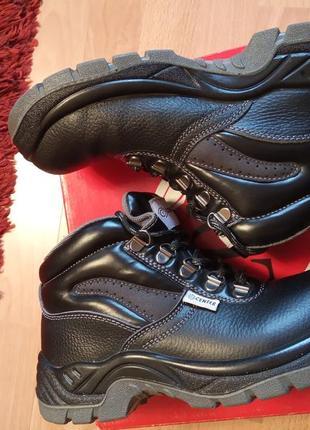 Польша,новые!шикарные,добротные,кожаные ботинки,полуботинки,кроссовки,водостойкая кожа