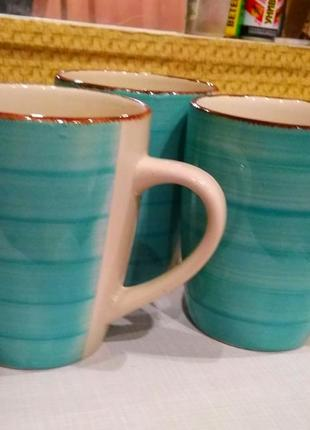Чашки керамические,новые-голубые с белым,пригодны для микроволновки.