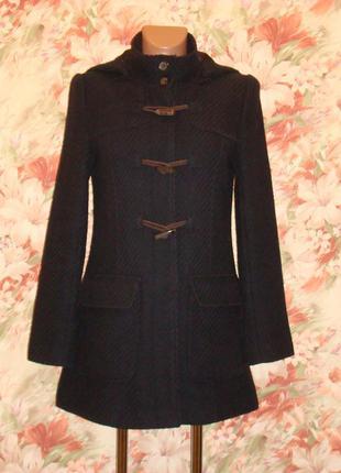 Стильное пальто из шерсти с капюшоном р.8-101