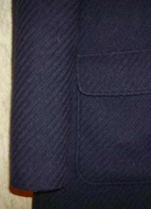 Стильное пальто из шерсти с капюшоном р.8-103