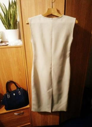 Бежевое платье футляр issa однотонное4 фото