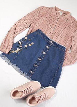 Джинсовая юбка с вышивкой от missguided